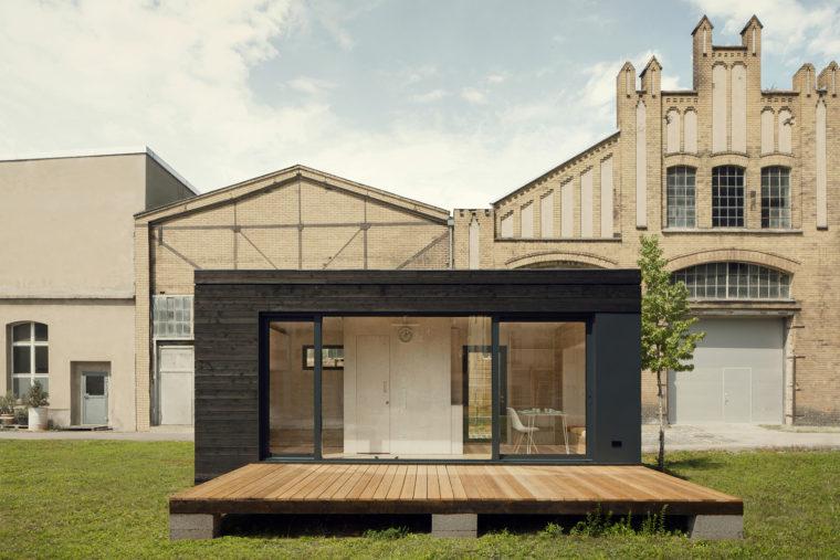 futteralhaus ein vorgefertigtes kologisches netzunabh ngiges minimalhaus transstruktura. Black Bedroom Furniture Sets. Home Design Ideas